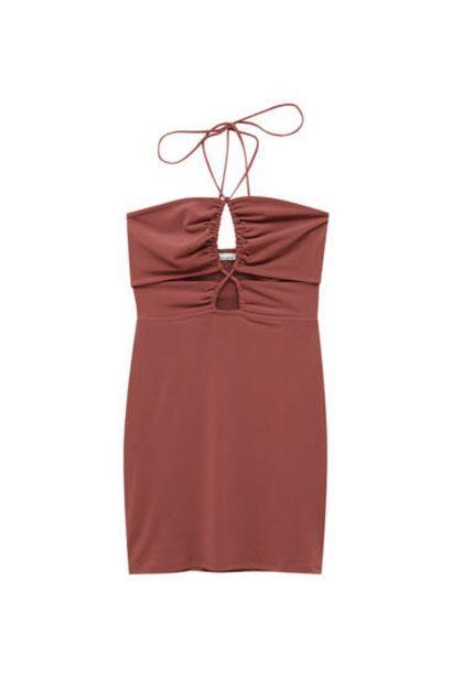 Oferta de Vestido mini cut out frunces por 17,99€