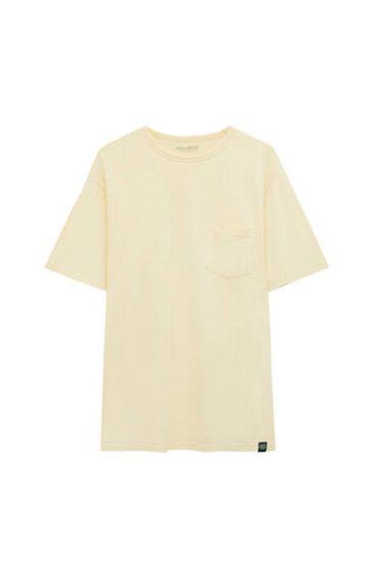 Oferta de Camiseta regular garment dye por 9,99€