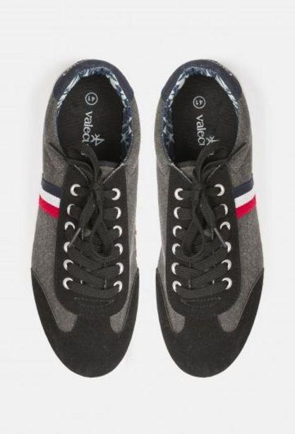 Oferta de Sneakers urban negros por 24,75€