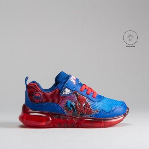 Oferta de Sneaker luces azul rojo SPIDERMAN por 25,99€