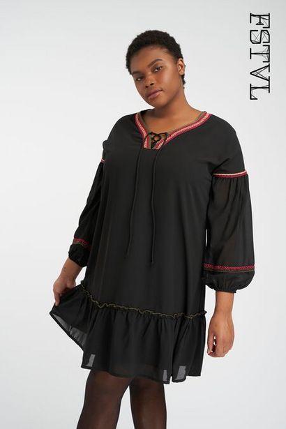 Oferta de Vestido con detalle bordado por 15€