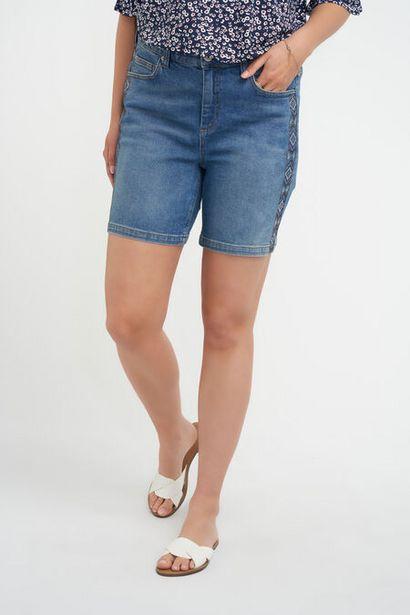 Oferta de Shorts vaqueros con brillantes por 15€