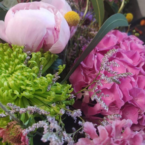 Oferta de Ram de flors de temporada por 30€