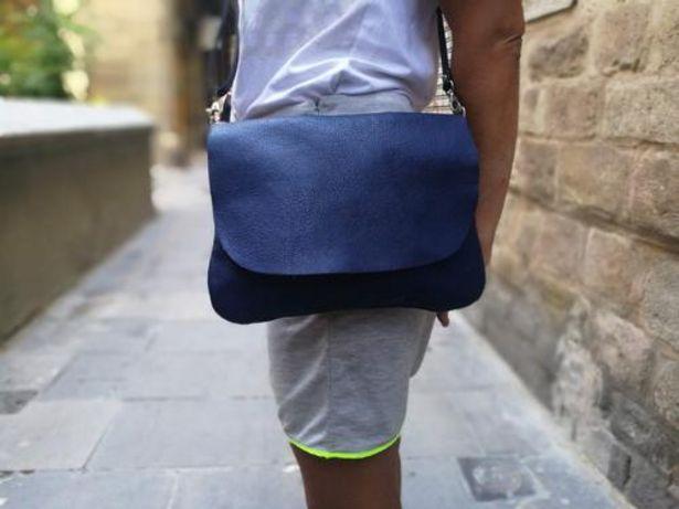 Oferta de Blue Leather Crossbody Bag por 65€