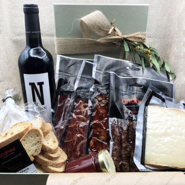 Oferta de Combinada. Elegante caja de regalo con productos exclusivos para celebrar cualquier ocasión por 75€