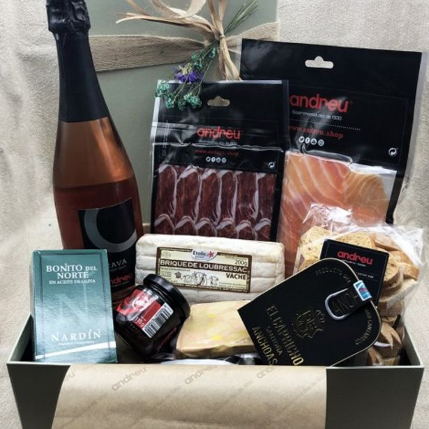 Oferta de Selecta. Una caja de regalo con un surtido de productos que te van a enamorar. por 120€