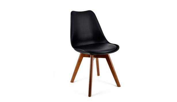 Oferta de Silla nórdica con base de madera y asiento con cojin por 74€