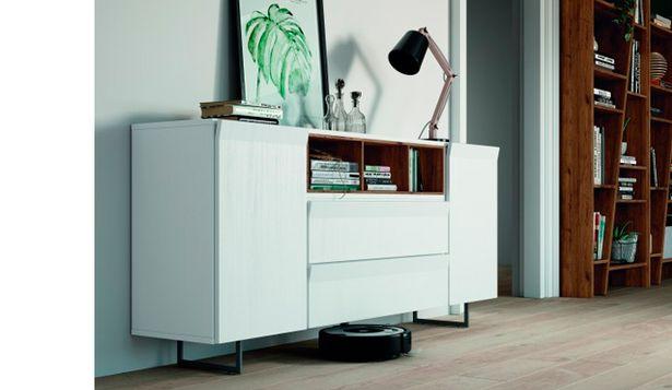 Oferta de Moderno y elegante aparador con acabados en roble viejo y blanco roto por 460€