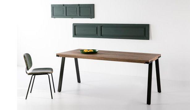 Oferta de Mesa fija de estilo vanguardista en colores roble y negro por 334€