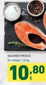 Oferta de Salmón fresco En rodajas/ el kg por 10,8€