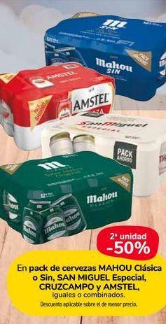 Oferta de En pack de cervezas MAHOU clasica o sin, SAN MIGUEL especial, cruzcampo y amstel, iguales o combinados por