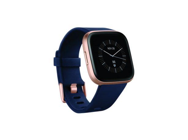 Oferta de Reloj deportivo - Fitbit Versa 2, Oro rosa premium, GPS, Sumergible, 15 modos ejercicio, Análisis + 2 correas por 169,15€