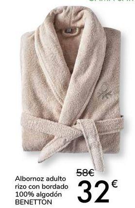 Oferta de Albornoz adulto rizo con bordado 100% algodón BENETTON por 32€
