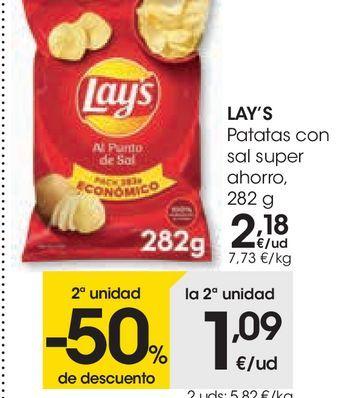 Oferta de LAY'S Patatas con sal super ahorro  por 2,18€