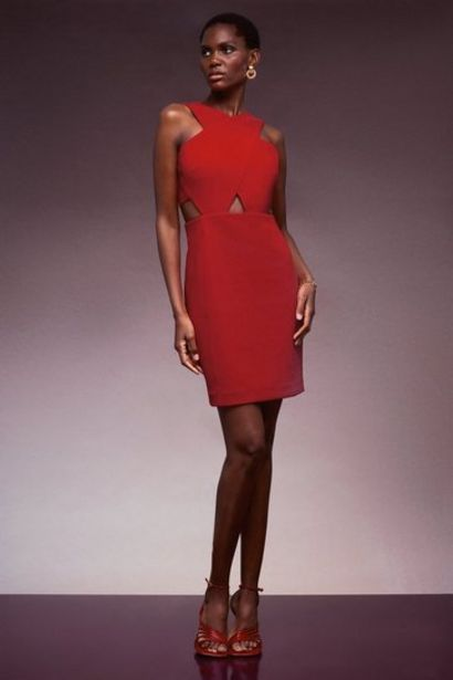 Oferta de Figure Form Crepe Cross Woven Mini Dress por 99€