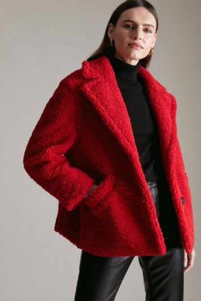 Oferta de Short Borg Coat por 135,2€
