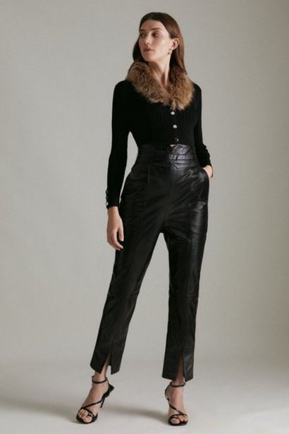 Oferta de Leather High Waist Split Hem Slim Leg Trouser por 307,2€
