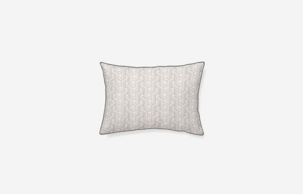 Oferta de Cojín algodón Laredo gris 45x30 cm por 19,9€