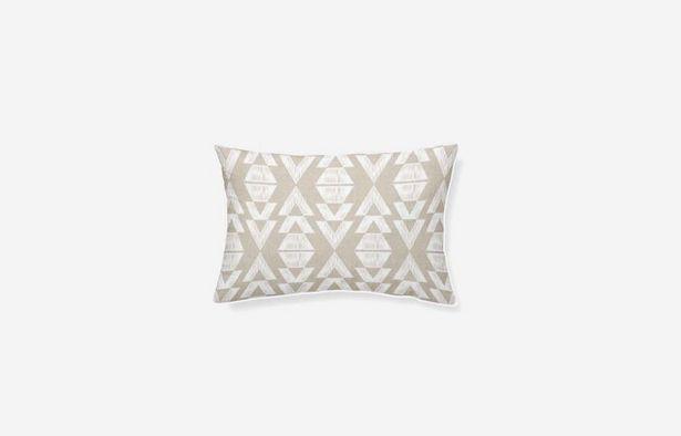 Oferta de Cojín algodón Tropical geométrico 45x30cm por 19,79€