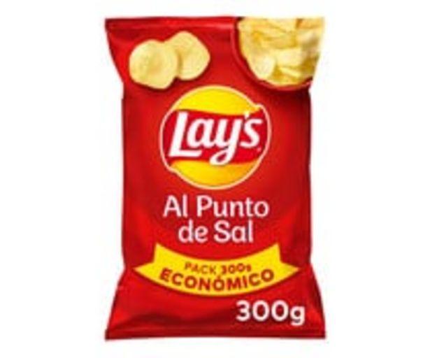 Oferta de Patatas  fritas lisas con sal LAY'S Al punto de sal bolsa de 300 g. por 1,74€