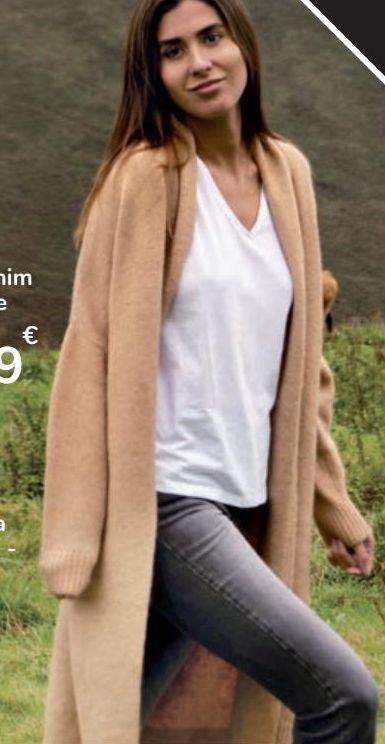 Oferta de Chaqueta larga punto por 25€
